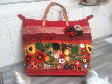 Sale retail: Sac cabas bordeaux fleuri multicolore, panier bohème