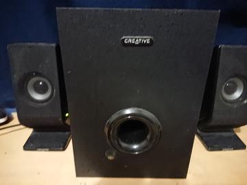 Myydään: Speakers