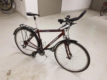 Myydään: 27-speed hybrid bike (Giant) +spike tyres + bleed kit