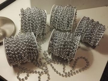 Ilmoitus: Sinellin hopeista helminauhaa pöytiin 5rll