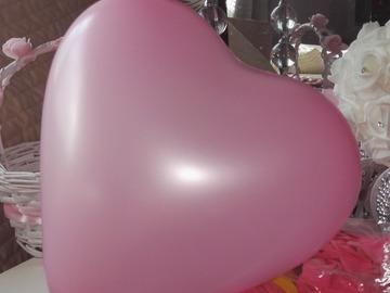 Ilmoitus: Sydän-ilmapalloja pinkki, valk 140kpl
