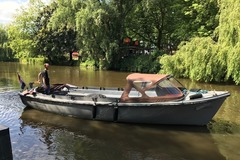 Rent per 2 hours: Liverpool open boat
