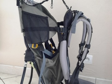 Rent by week: porte bébé deuter