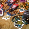 Sell: 300 licensed sports teams Mardi Gras, party style beads