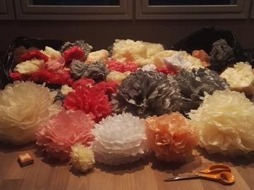 Ilmoitus: Pomponit 2 säkkiä, fuksia, vpun, ivory, harmaa, persikka
