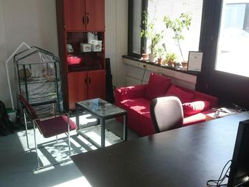 Renting out: Desk at Helsieni Headquarters