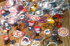 Sell: 300 pcs Officially licensed Sports teams Merchandise