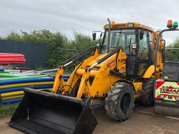 Daily Equipment Rental: JCB2CX Streetmaster Excavator
