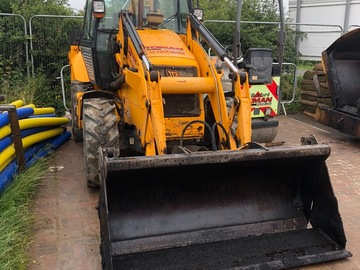 Hourly Equipment Rental: JCB2X Streetmaster Excavator