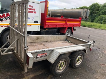 Daily Equipment Rental: 2600Kg Small Plant Trailer