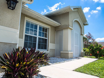 Por Noche: 4 Bedroom 2 Baths w/ Pool Vacation Rental in Cape Coral, FL