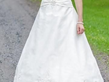 Ilmoitus: Sincerity Bridal -häämekko