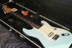 Renting out: Tom Delonge signature Fender Stratocaster