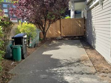 Monthly Rentals (Owner approval required): Seattle WA, S23rd Ave & Madison - Reserved Driveway parking!