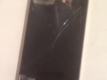 Myydään: Iphone 4 32g