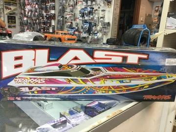 Selling: Traxxas Blast race boat RTR w/Transmitter