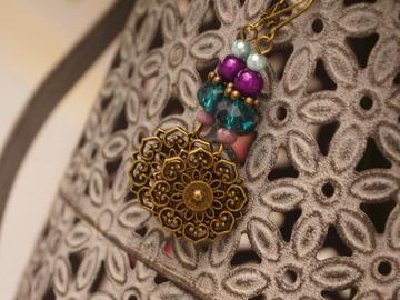 Sale retail: Boucles d'oreilles estampe violet et vert