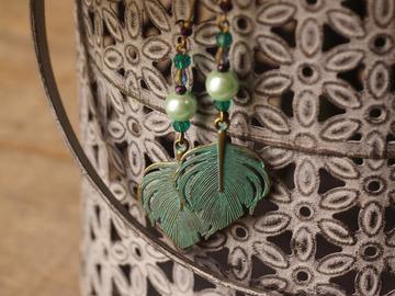 Vente au détail: Boucles d'oreilles feuille verte