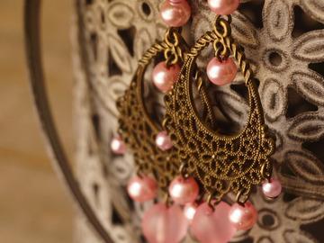 Vente au détail: Boucles d'oreille chandelier rose