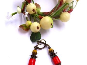 Vente au détail: Boucles d'oreilles en métal bronze, verre jaune et rouge
