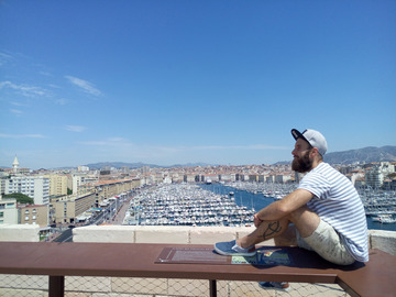 Offering: Gay guide of Marseille - Friendly tour with Vlad