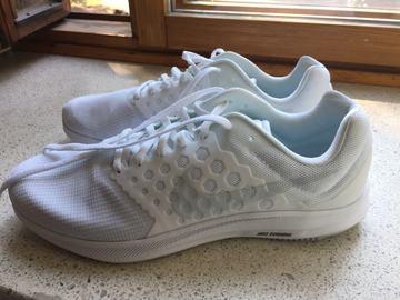 Myydään: NEW running shoes Nike, size EUR 46, US 12