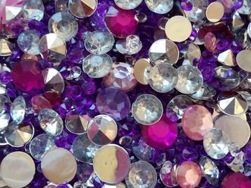 Ilmoitus: Myydään timantteja