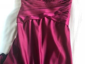 Myydään: Evening dresses
