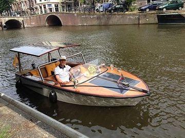 """Rent per hour: Romantic Boats """"Ambolux"""""""