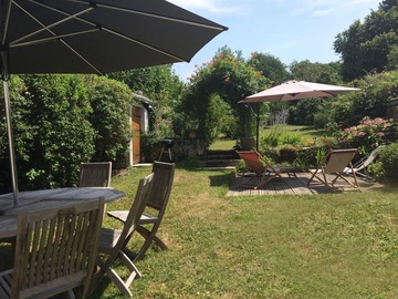 NOS JARDINS A LOUER: Très grand jardin dans un petit village à 35 km de Paris