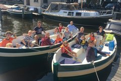 Rent per 2 hours: Eco boats Amsterdam - max 12 people