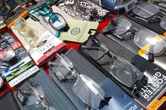 Sell: 100 pc READING GLASSES Foster Grant, Magnivision & more.