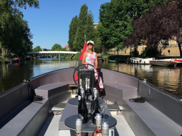 Per 3 hours: E-Boat Amsterdam - max 38 people