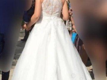 Ilmoitus: The Dress