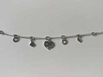 Myydään: Guess Silver heart bracelet