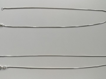 Myydään: Two silver Venice necklace chains for pendants