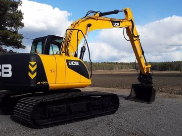 Daily Equipment Rental: JCB JS130LC