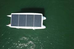 Rent per hour: Lisbon Solar Boat - Max. 8 people