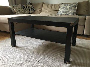 Myydään: Black IKEA coffee table with decorative corners
