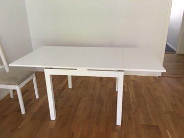 Myydään: Extendable dining table