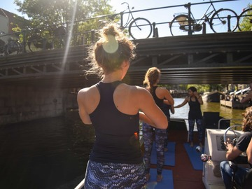 Rent per hour: BOAT YOGA