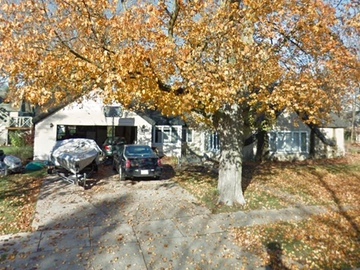 Daily Rentals: Lake Geneva WI, Convenient Parking Close to Lake and Main St