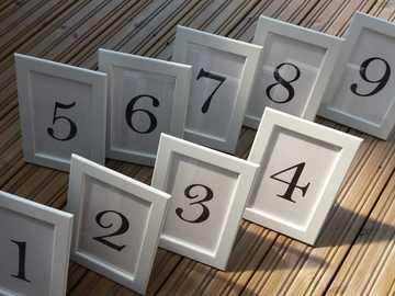 Ilmoitus: 9kpl pöytänumerokehyksiä