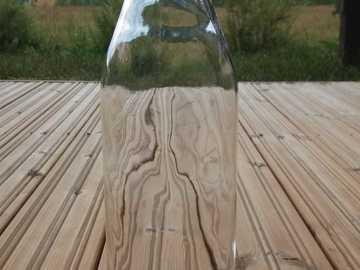 Ilmoitus: 35kpl  isosuisia lasipulloja
