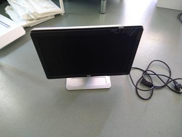 Myydään: VGA Monitor