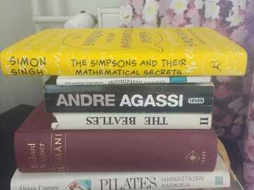 Myydään: Books