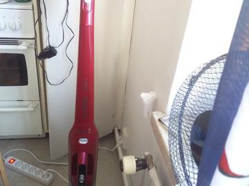 Myydään: Vacuum cleaner