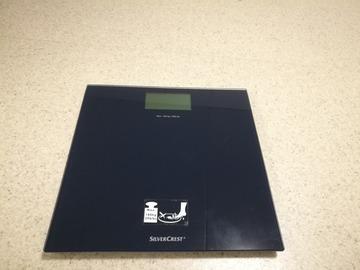Myydään: Body weighting scale