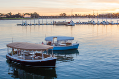 Rent per 1,5 hour: San Diego Electric Boat Wine Cruise - Max 6 people