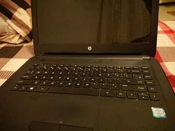 Myydään: Laptop & JBL speaker